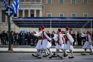Παρουσία του υπουργού Παιδείαςη μαθητική παρέλαση στην Αθήνα