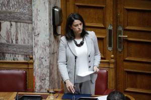 """Βουλή: Ανταλλαγή """"πυρών"""" Ν. Κεραμέως- Ν. Φίλη για τη προσχολική εκπαίδευση"""